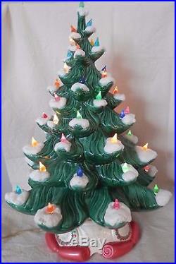 20 Vintage Atlantic Mold Ceramic White Snow Capped Christmas Tree 52 Lights'74