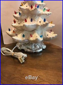 70's Vintage Large 19 White Lighted Ceramic Atlantic Mold Christmas Tree WithStar