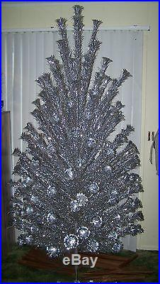7ft pom pom aluminum christmas tree 182 branches vintage 50s60s mid century mod - Aluminum Christmas Tree Ebay