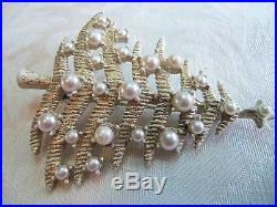 Beautiful Vintage White Christmas Tree With Pearls estate jewelry Designer