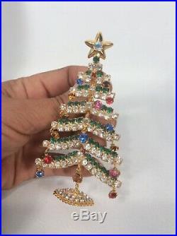Beautiful Vtg Large Christmas Tree Rhinestone Gold Tone pin Brooch