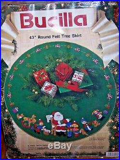 Bucilla A VISIT FROM SANTA Felt Christmas Tree SkirtSterilized RARE 43 Vintage