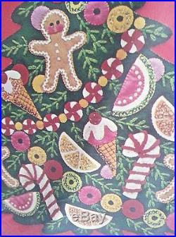 Bucilla SUGAR PLUM TREE Felt Christmas Wall Hanging Kit-Vintage 2830 Unopened