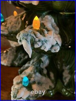 Ceramic Christmas Tree 1974 Atlantic Mold Snow Flocked Vintage 23H