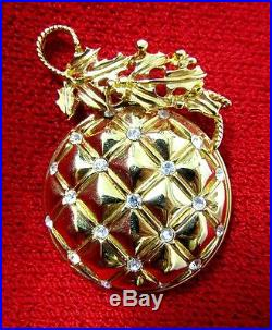 New St John Vintage Christmas Tree Ornament Ball Pin Brooch 22kpg Collectible