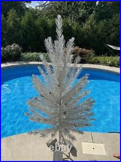 Nice Vintage Mid Century 7 Foot Aluminum Christmas Tree 91 Sparkly Branches