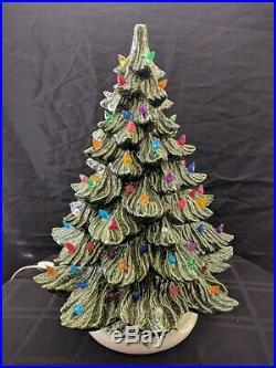 VINTAGE 18 CERAMIC LIGHTED CHRISTMAS TREE WithMUSICAL BASE