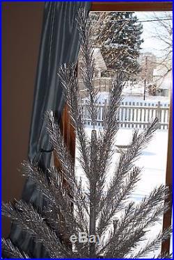 VINTAGE ALCOA 6 1/2' ALUMINUM CHRISTMAS TREE w BOX & COLORTONE COLOR WHEEL