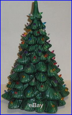 VINTAGE CERAMIC CHRISTMAS TREE with LIGHT 16'' Holland or Atlantic Mold Green