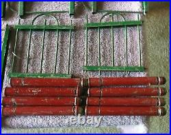 VINTAGE FEATHER CHRISTMAS TREE FENCE PUTZ DRAKE RED GREEN METAL With GATE & POSTS