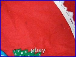 VINTAGE FELT APPLIQUE CHRISTMAS TREE SKIRT hand stitched beads sequins 49