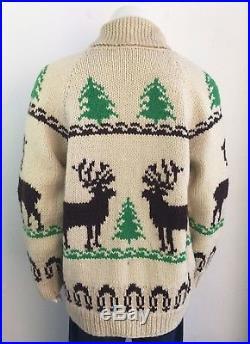 VINTAGE MOOSE REINDEER CHRISTMAS TREE COWICHAN SWEATER size LARGE