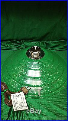 VINTAGE MUSICAL ROTATING CHRISTMAS TREE STAND GREEN WithSILVER METALLIC SPECKS