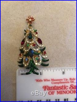 VTG SIGNED HATTIE CARNEGIE GOLDTONE Christmas Tree BROOCH PIN Rhinestones