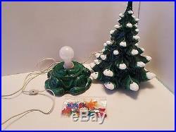 Vintage 18 Ceramic Christmas Xmas Tree Green Whit Snow Atlantic Mold Light Bird