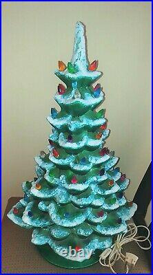 Vintage 19 Arnel 577 Illuminated Ceramic Flocked Christmas Tree with Lights