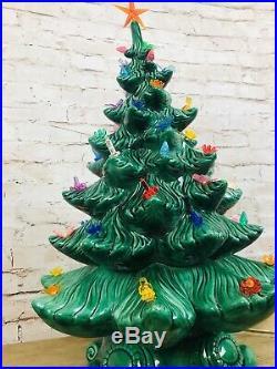 Vintage 1970s Atlantic Mold 22 CERAMIC Green CHRISTMAS TREE withBase Lights Star