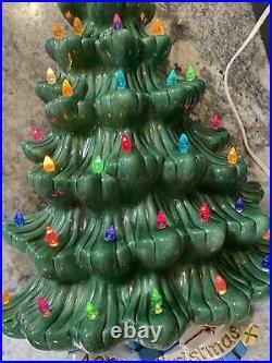 Vintage 1975 Atlantic Mold Wall Mount Lighted Ceramic Green Christmas Tree 19