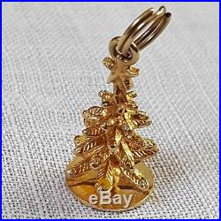 Vintage 3D CHRISTMAS TREE CHARM in 14k yellow gold 2.25 grams c. 1970s