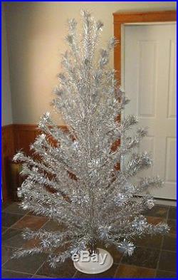 Vintage 6 1/2' Silver Aluminum Christmas Tree Pom Pom Revolving Base 105 Branch