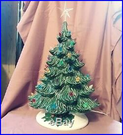 Vintage 70s 80's / 19 Ceramic Green Christmas Tree With White holly Base