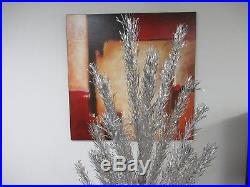 Vintage Aluminum Christmas Tree 6 Ft 80 Branches Northern Lights Model 712