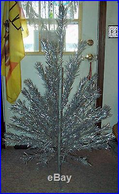 Vintage Antique poss Evergleam Aluminum Stainless Christmas Tree 4ft 53 branch