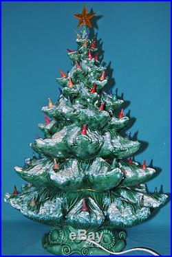 Vintage Atlantic Mold 24 Ceramic Green Christmas Tree