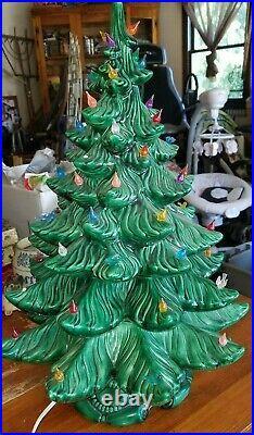 Vintage Atlantic Mold 3 Tier 23 Light Up Ceramic Christmas Tree VGC