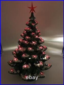 Vintage Atlantic Mold 4 Piece Ceramic Christmas Tree WorksMinor Crack See Pic