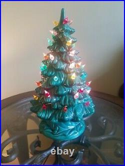 Vintage Ceramic Christmas Tree Holland Mold 1970 EUC Lights Up