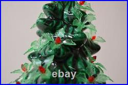 Vintage Ceramic Christmas Tree Rare Holly Berry Holland Mold Star Signed 1981