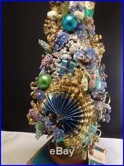 Vintage Christmas Bottle Brush Tree Glass Ornaments Glitter Wood Base MUSIC BOX