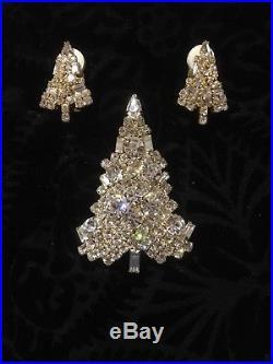 Vintage Classic Eisenberg Rhinestone Christmas Tree Pin Brooch