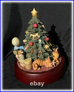 Vintage Classic Pooh Christmas Tree Musical Centerpiece Michel & Co. Boxed 9in