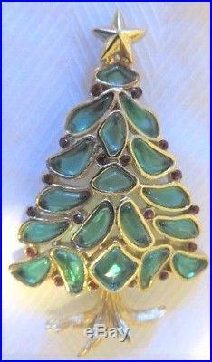 Vintage Crown Trifari Green Molded Glass Red Rhinestone Christmas Tree Pin Sig