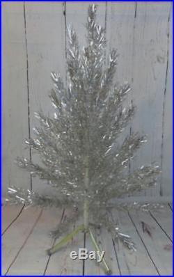 Vintage EVERGLEAM 4' Aluminum Christmas Tree 58 Branch MCM Decor GREAT CONDITION