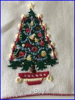 Vintage Hand Embroidered Xmas Tree 10 Cocktail Napkins Sinatra Estate