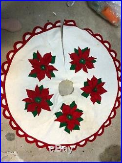 Vintage Handmade Felt CHRISTMAS TREE SKIRT 10 POINSETTIAS 40 WIDE LARGE