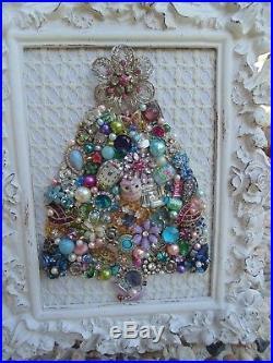 Vintage Jewelry Framed CHRISTMAS TREE Shabby PINK StarCottage White ROSE Frame