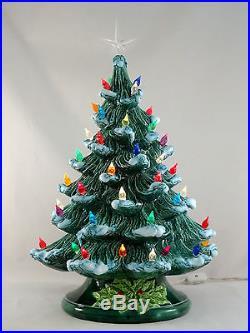 Ceramic Christmas Tree With Snow.Vintage Lighted Ceramic Christmas Tree Green White Snow