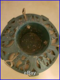 Vintage Metal Cast Iron Christmas Tree Stand Nativity Scene Excellent Con