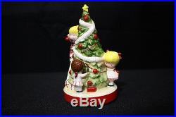 Vintage, Mint 1971 Joan Walsh Anglund JINGLE BELLS Christmas Tree Music Box