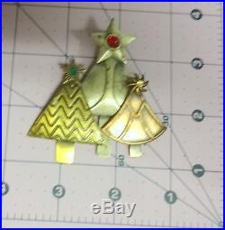 Vintage Modernist Signed KC Rhinestone 3 Tone Christmas Tree Pin Brooch Rare