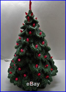 Vintage Nowells 16 Green Ceramic Table Top Christmas Tree With Star & Red Lights