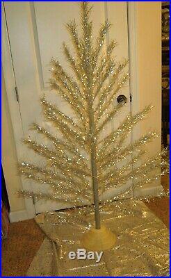 Vintage Retro Aluminium Taper Christmas Tree 5 Ft No. 552 With Skirt & Box