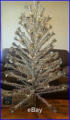 Vintage SILVERLINE GALAXY ALUMINUM POM POM CHRISTMAS TREE 6.5' 91 Branch withBox