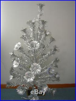 Vintage Star Band 4ft. Aluminum Pom Pom Christmas Tree ORIGINAL BOX -EXC