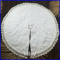 Vintage Victorian Christmas Tree Skirt 54 Hand Crocheted Lace Quilted Lined
