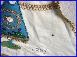 Vintage handmade 45 felt beaded appliqué Christmas tree skirt sequins fringe